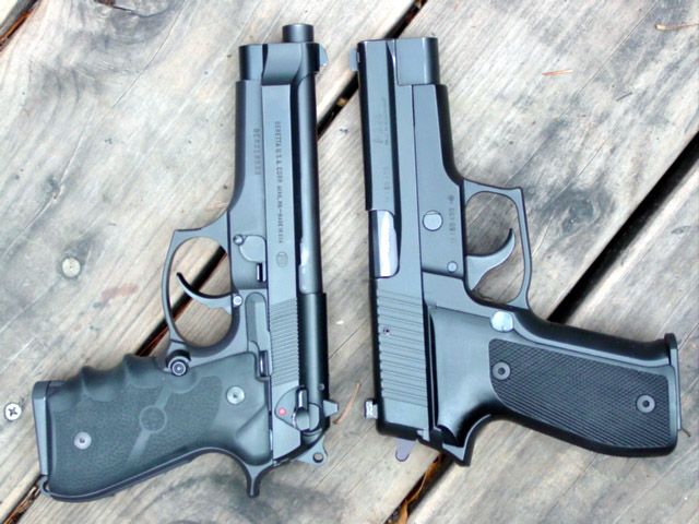 Comparison of Beretta 92 and SIG P226 back to back